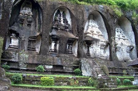 tempel bali bij de meer